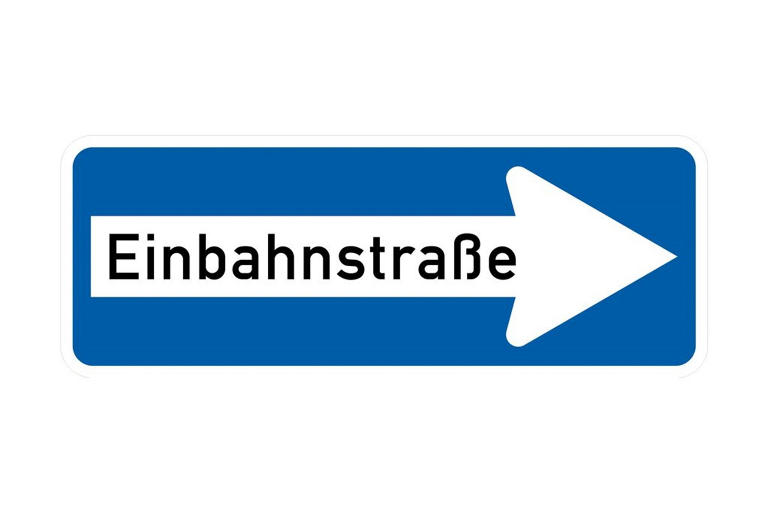 Einbahnstraßen-Schilder, damit alle Kunden vom Eingang durch die Apotheke bis zum Ausgang in eine Richtung gehen.
